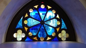 stained-glass-1148892_640