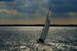 sail-1238055_640