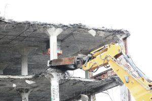 demolish-498443_640